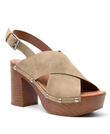 Dani wedge in Taupe