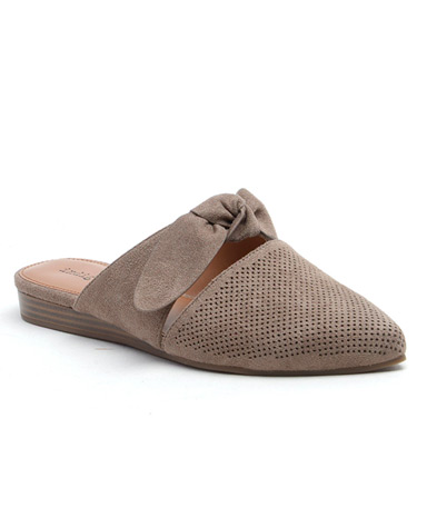 Gierson sandal in taupe.