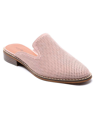 Hayze4 sandal in light pink.