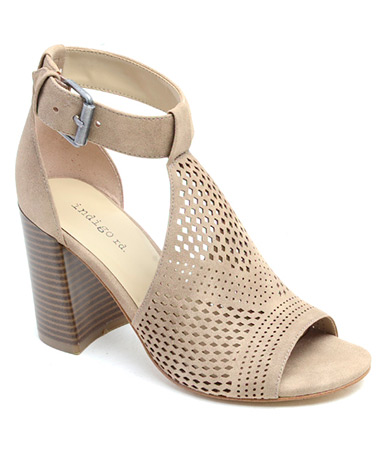 Priella sandal in taupe.