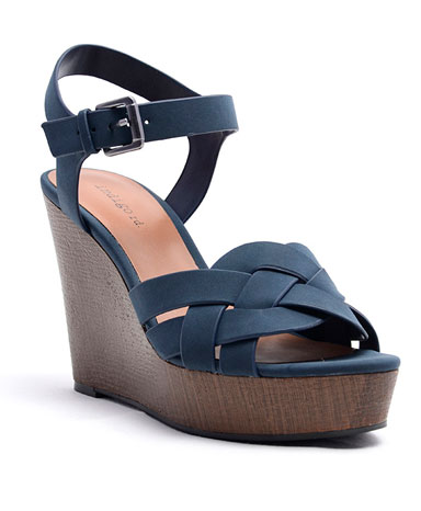 Kady sandal in navy blue.