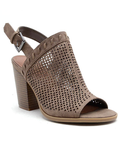 Pearl sandal in brown.